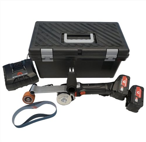 ROHR MAX AKKU basic set (EU).-18 volts, 220 - 240 volts power connection, in case, incl. 2 batteries